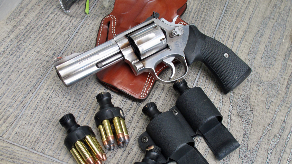 Competition Handgun double action revolver